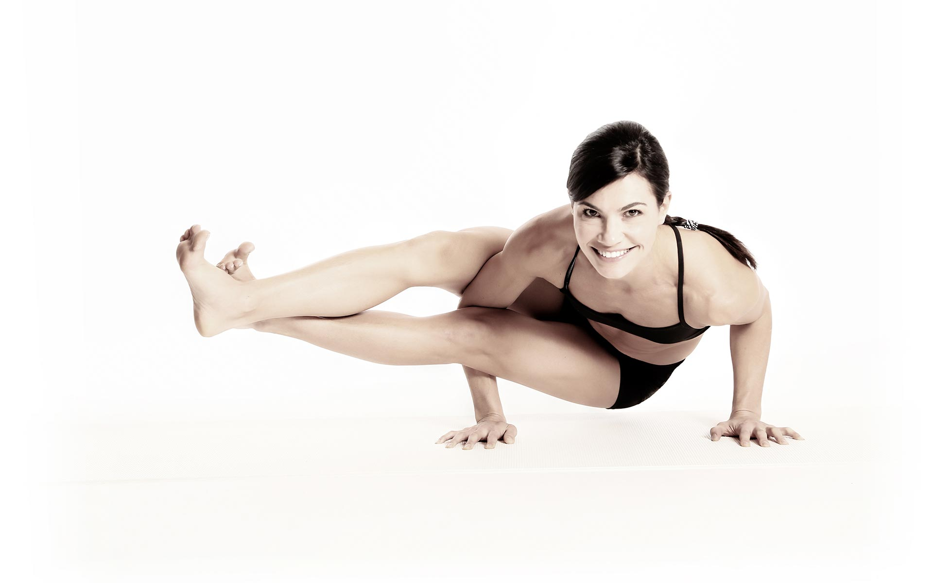 Fit Revolution instructor Jen Eddins yoga bio image